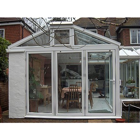82 - Gabel Fronted Conservatory With Visi Doors